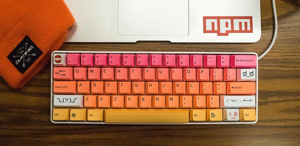 色鮮やかなキーボード
