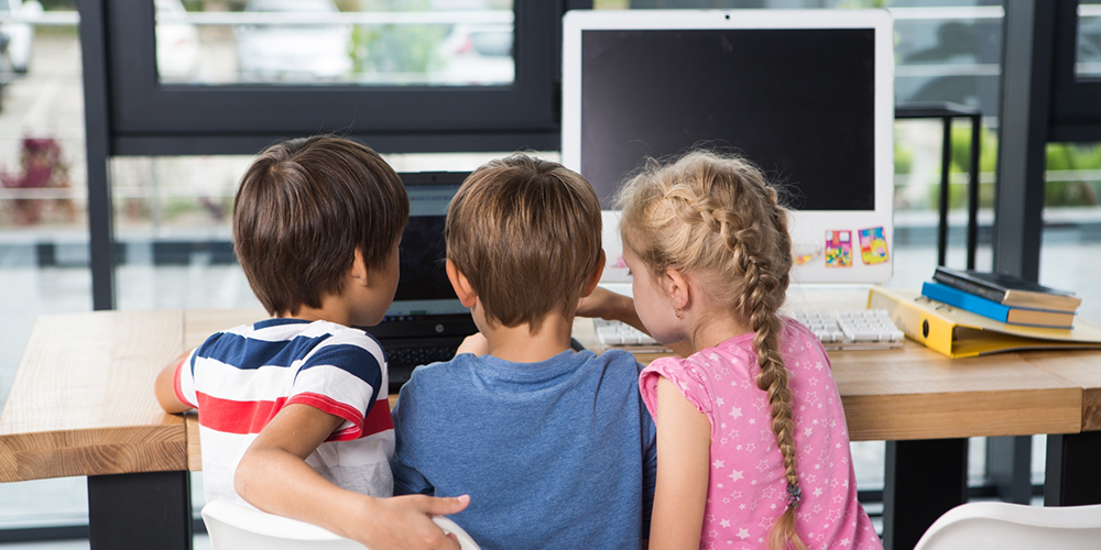 プログラミングを通じて仲良くなった子どもたち